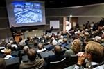 Torget, parkeringen och Torghuset väcker många tankar och åsikter bland den månghövdade publiken i Campus Allegros auditorium.