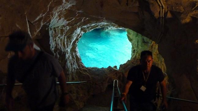 Grottorna i Rosh Hanikra är rikigt häftiga. Det ligger alldeles intill den libanesiska gränsen.