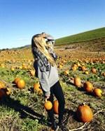 """Jag har redan fått uppleva min första """"pumpkin picking"""" d.v.s. åka till en bondgård och välja ut den perfekta pumpan, säger Erika Hjerpe."""
