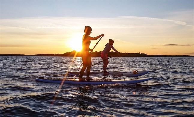 Förra sommarens hype var definitivt stand up paddleboardingen. Nuförutspås ett ännu bättre år för brädtrenden.