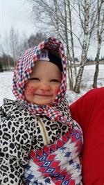 Snart 1-åriga Alva önskar Glad påsk!