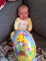 Lilla Linus Roos firar sin första påsk.