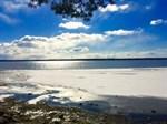 Här kommer en bild som passar bra med tanke på alla diskussioner om den kalla våren. Bilden är tagen på söndagen med utsikt över Södra Stadsfjärden som snart blir isfri.